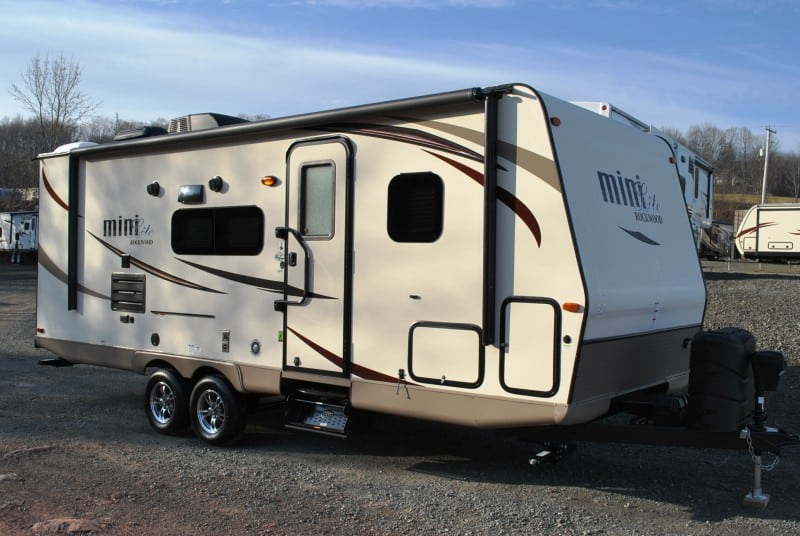 2017 Rockwood Mini-Light 2504s