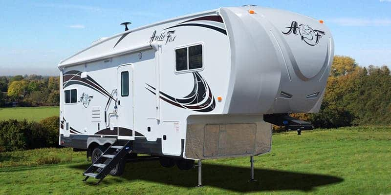 Northwood Arctic Fox 28-5C Fifth-Wheel