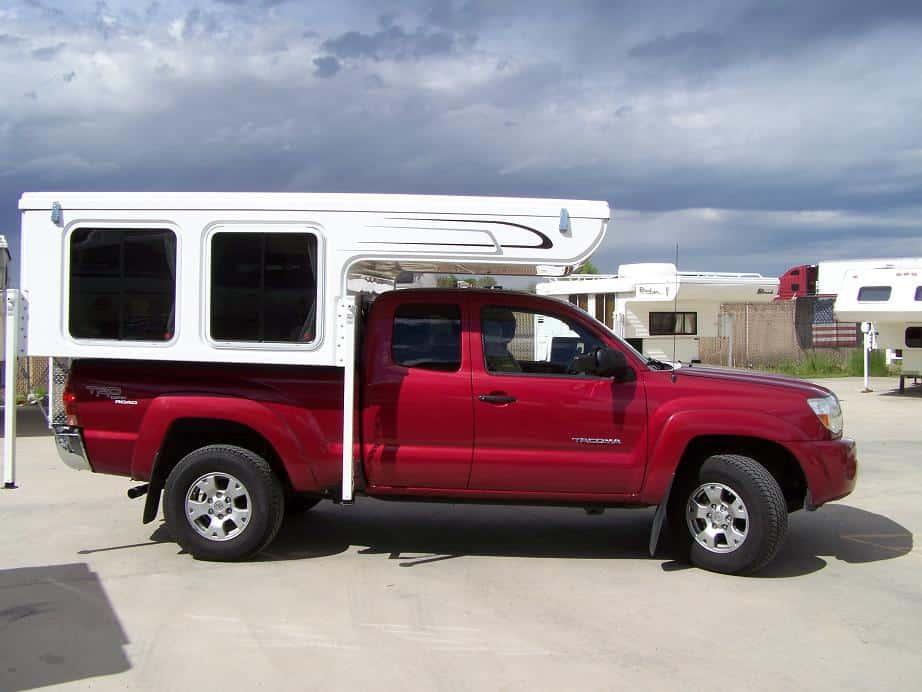 Laveta Pop-Top Truck Camper