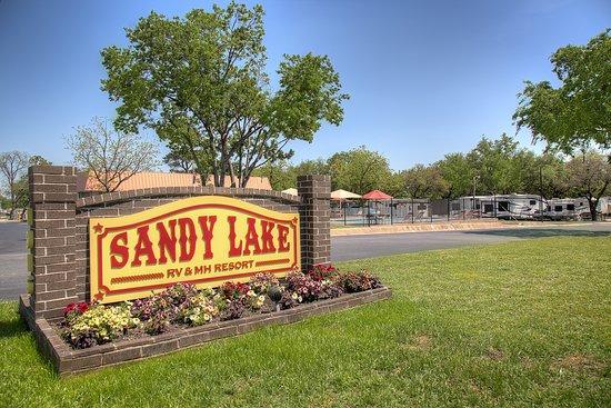 Sandy Lake MH & RV Resort