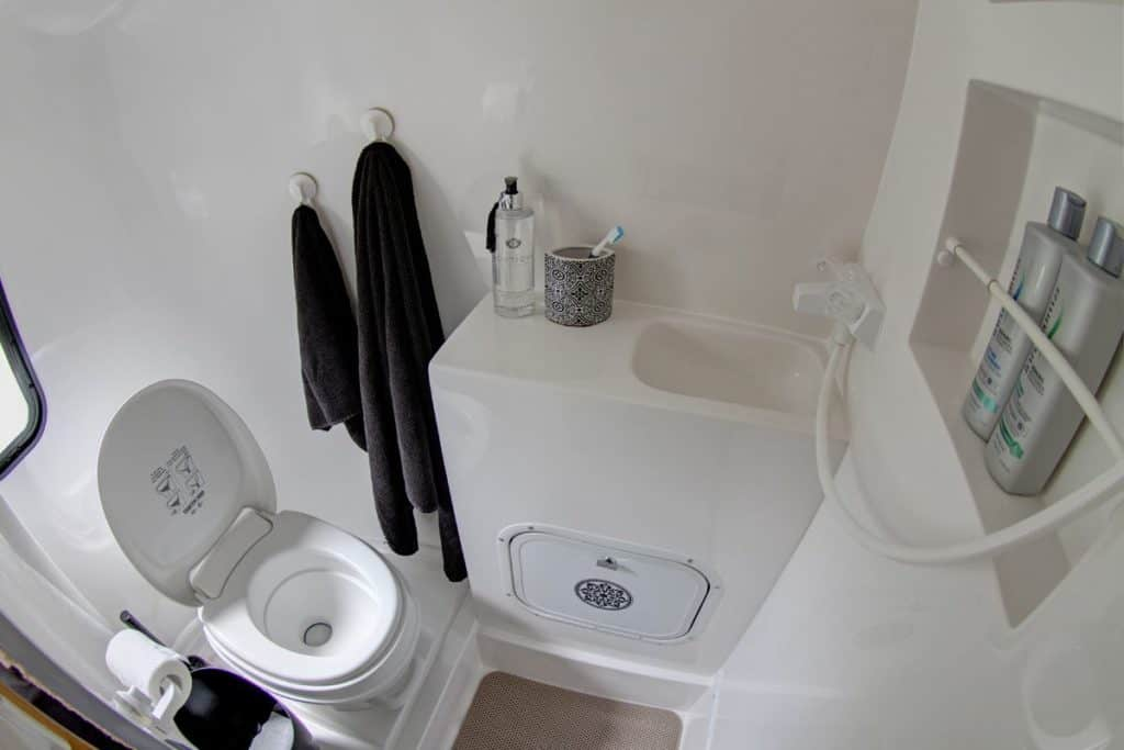 Casita Spirit Deluxe Bathroom