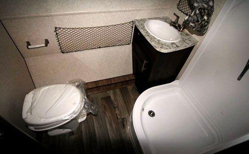 Jayco Hummingbird Bathroom