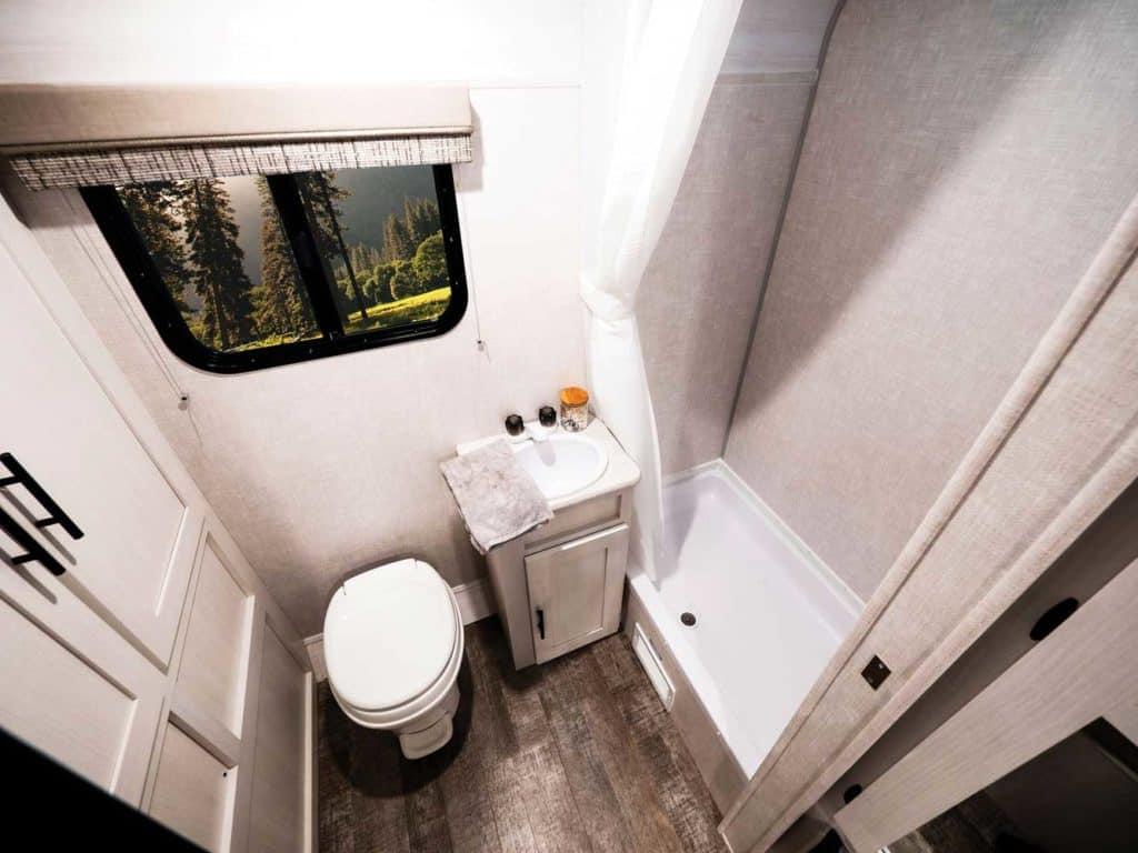 R-Pod Bathroom