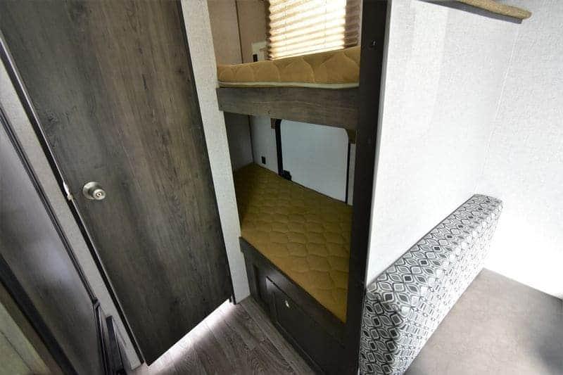 Coachmen Clipper 17BHS Bunk Beds