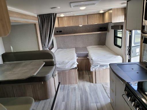 Winnebago Micro Minnie 2108TB Twin Beds